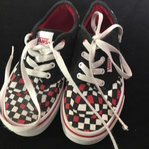 Children's Vans Sneakers w/laces